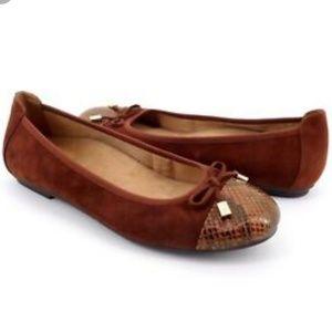 New Vionic Minna Cap Top Toe Flats Shoes